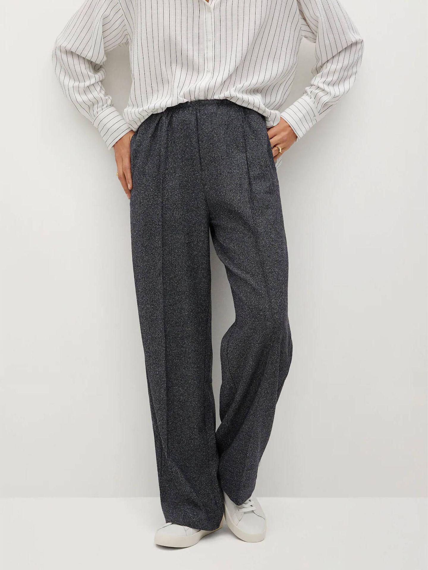 Mango Outlet vende un pantalón de vestir ideal para ir al trabajo y absolutamente cómodo. (Cortesía)