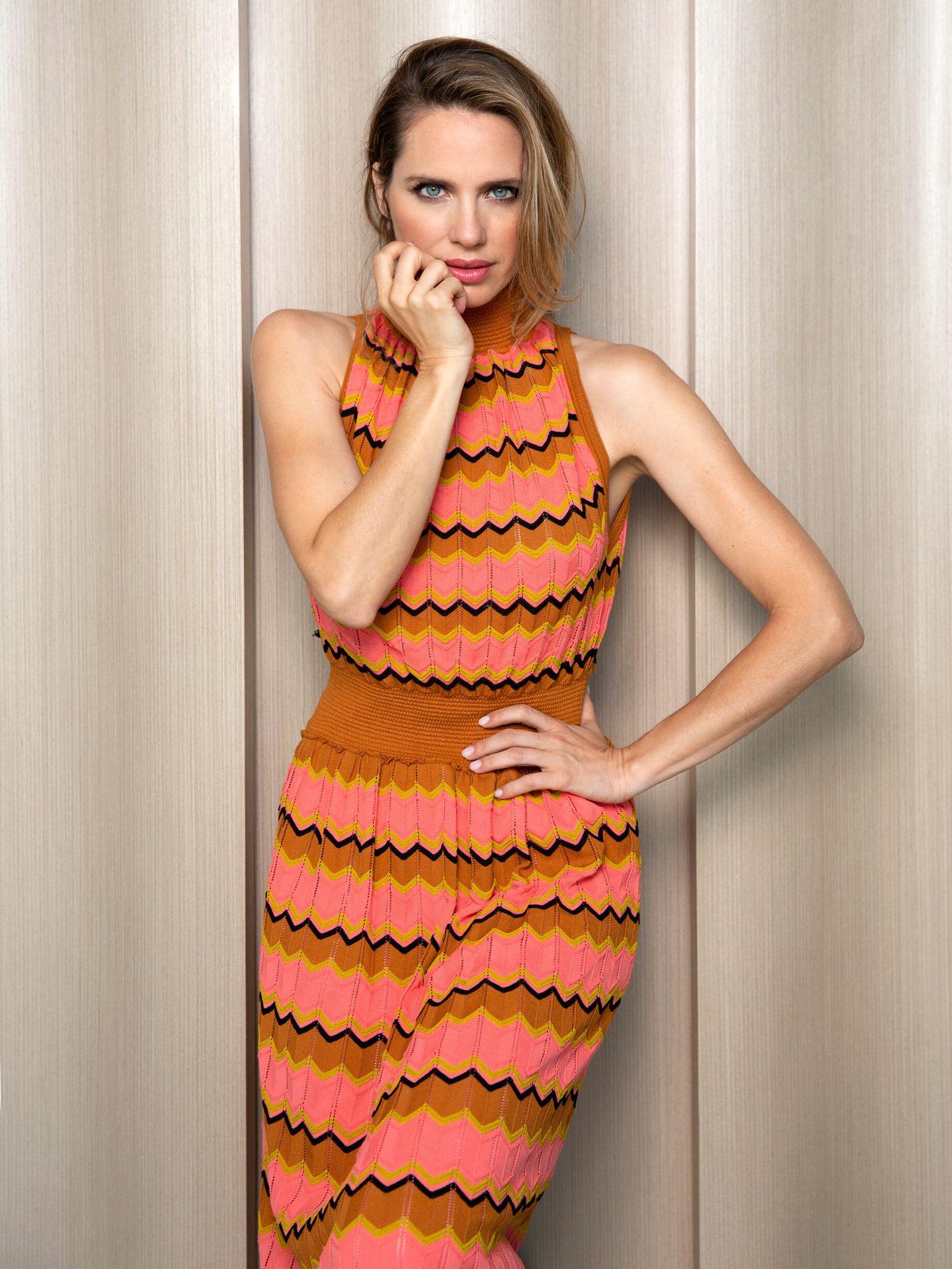 Vanesa Romero en el Hotel VP Plaza España Design lleva vestido croché de M Missoni.
