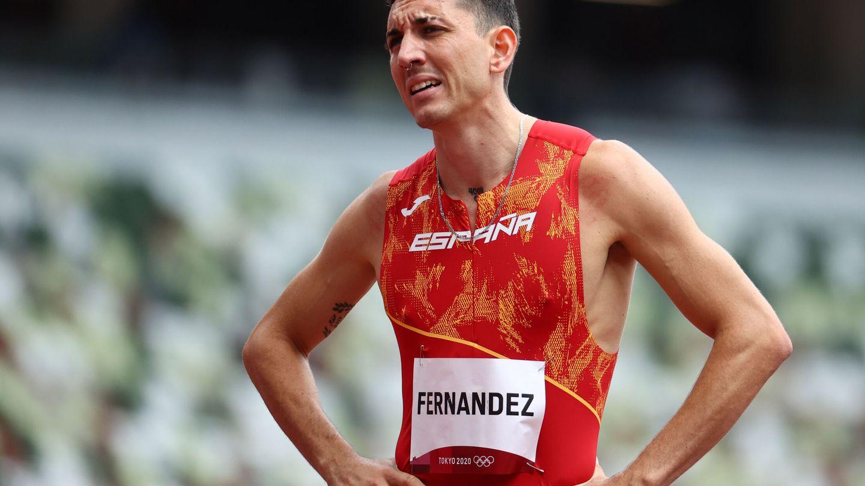 El navarro Sergio Fernández, contrariado después de su carrera (Reuters)