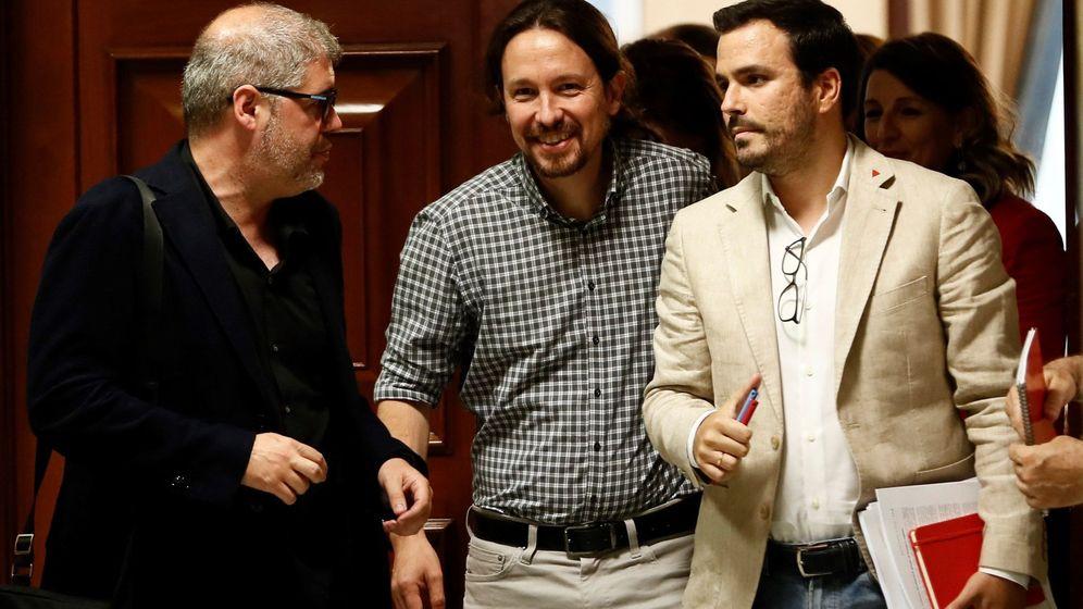 Foto: El secretario general de Podemos, Pablo Iglesias (c), junto al coordinador federal de IU, Alberto Garzón (d) y el líder de CCOO, Unai Sordo. (EFE)
