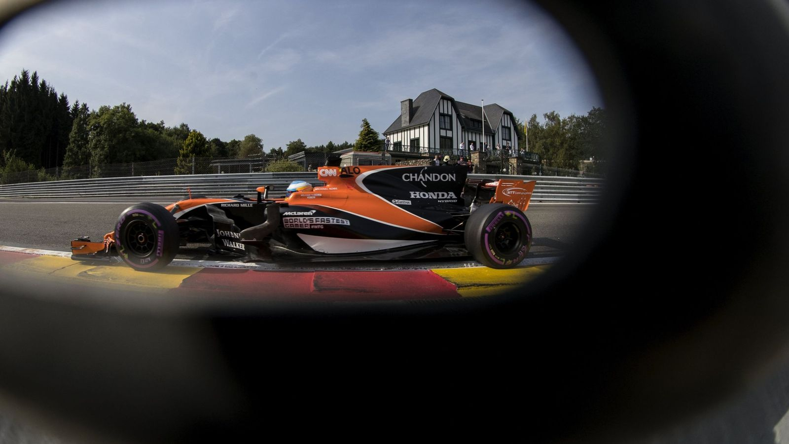 Foto: ¿Seguirá Alonso en McLaren? Si lo hace, ¿qué motores montará? (EFE)
