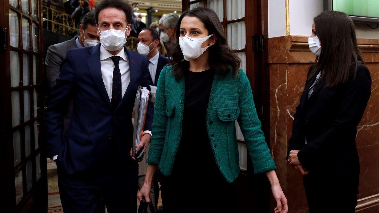 Cs toma la delantera en Kitchen: pide citar a Rajoy y Villarejo y deja fuera a Casado