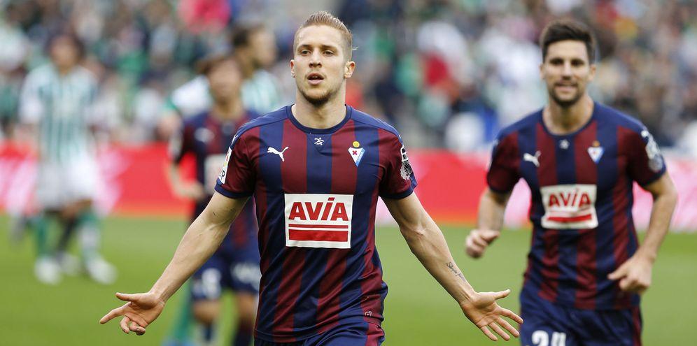 Foto: Keko celebra un gol marcado con el Eibar esta temporada (EFE)