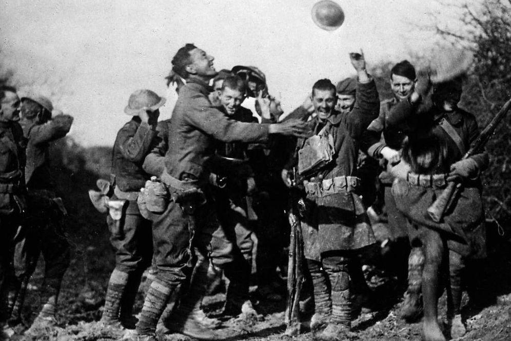 Foto: Soldados franceses celebran el fin de la I Guerra Mundial