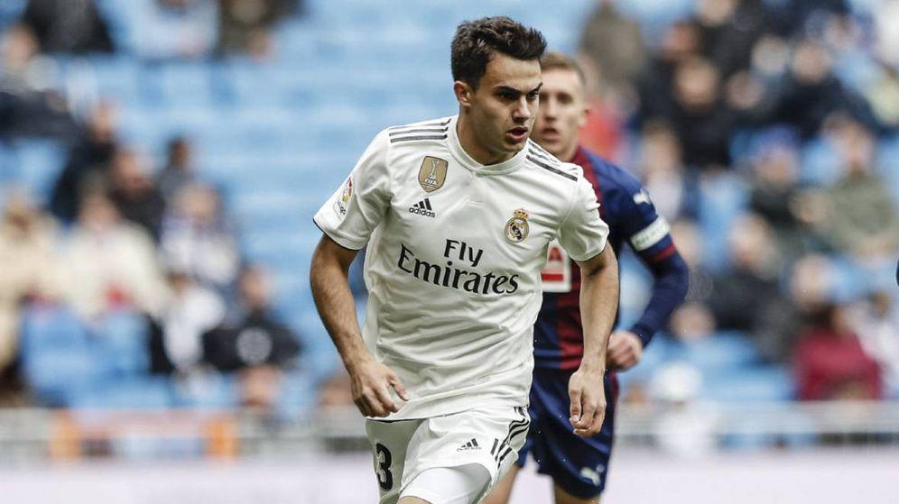 Foto: Reguilón, durante el partido de Liga del Real Madrid contra el Eibar. (EFE)