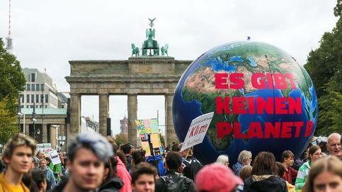 Decenas de jóvenes en la huelga mundial por el clima en Berlín