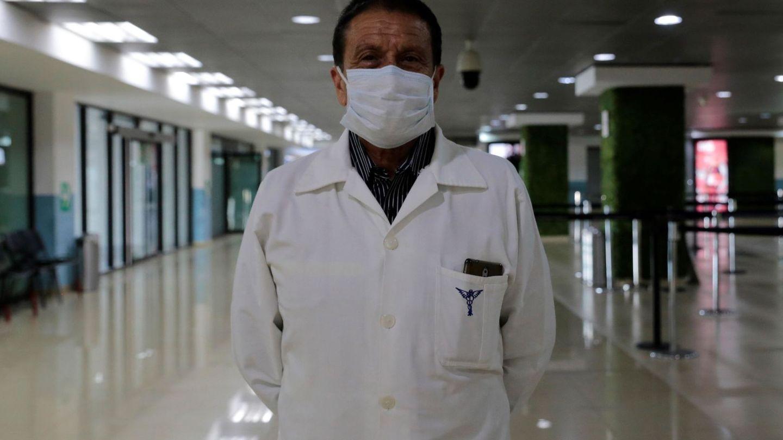 Controles médicos en el aeropuerto de Guatemala. (EFE)