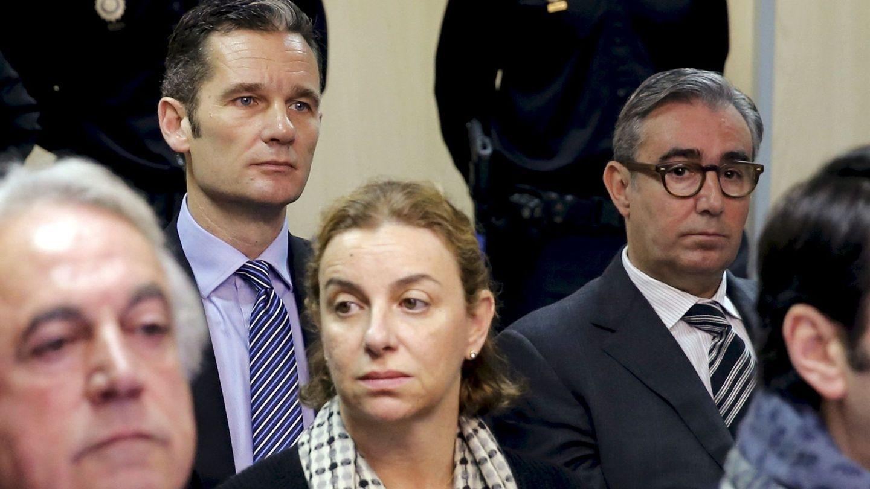 Iñaki Urdangarin junto a Diego Torres durante el juicio por el caso Nóos. (Reuters)