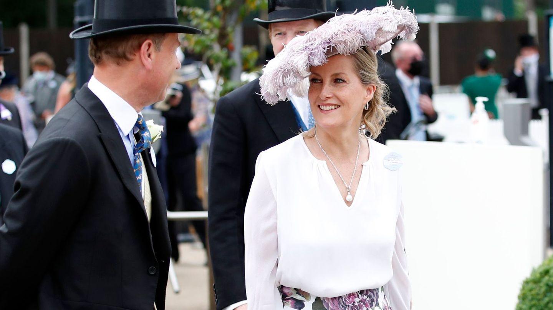 La condesa de Wessex y el príncipe Eduardo en el segundo día de Ascot. Reuters