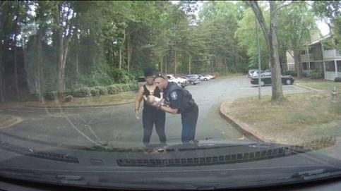 La rápida intervención de un policía salva la vida de un bebé en EEUU