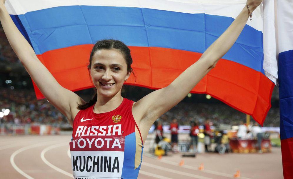 Foto: Si gana, Maria Lasitskene (antes conocida como Maria Kuchina) no podrá celebrar el oro en Londres de la misma manera que hace dos años en Pekín. (Reuters)