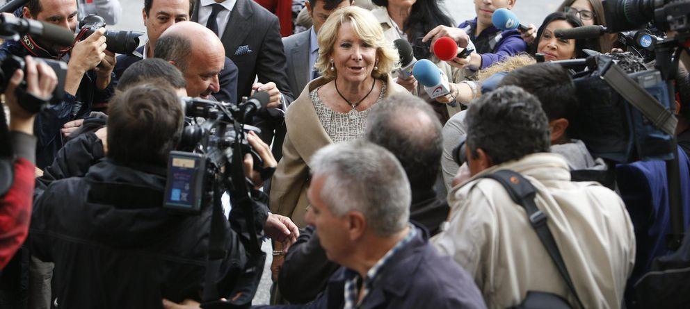 Foto: Esperanza Aguirre, a su llegada a los Juzgados de Plaza de Castilla. (EFE)