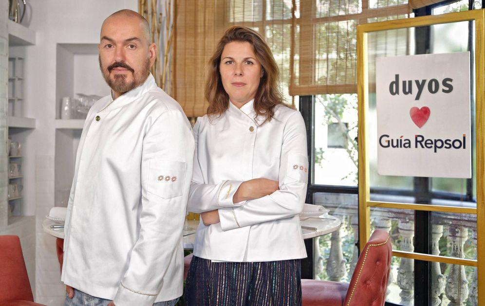 Foto: Juan Duyos y María Ritter, directora de la Guía Repsol.