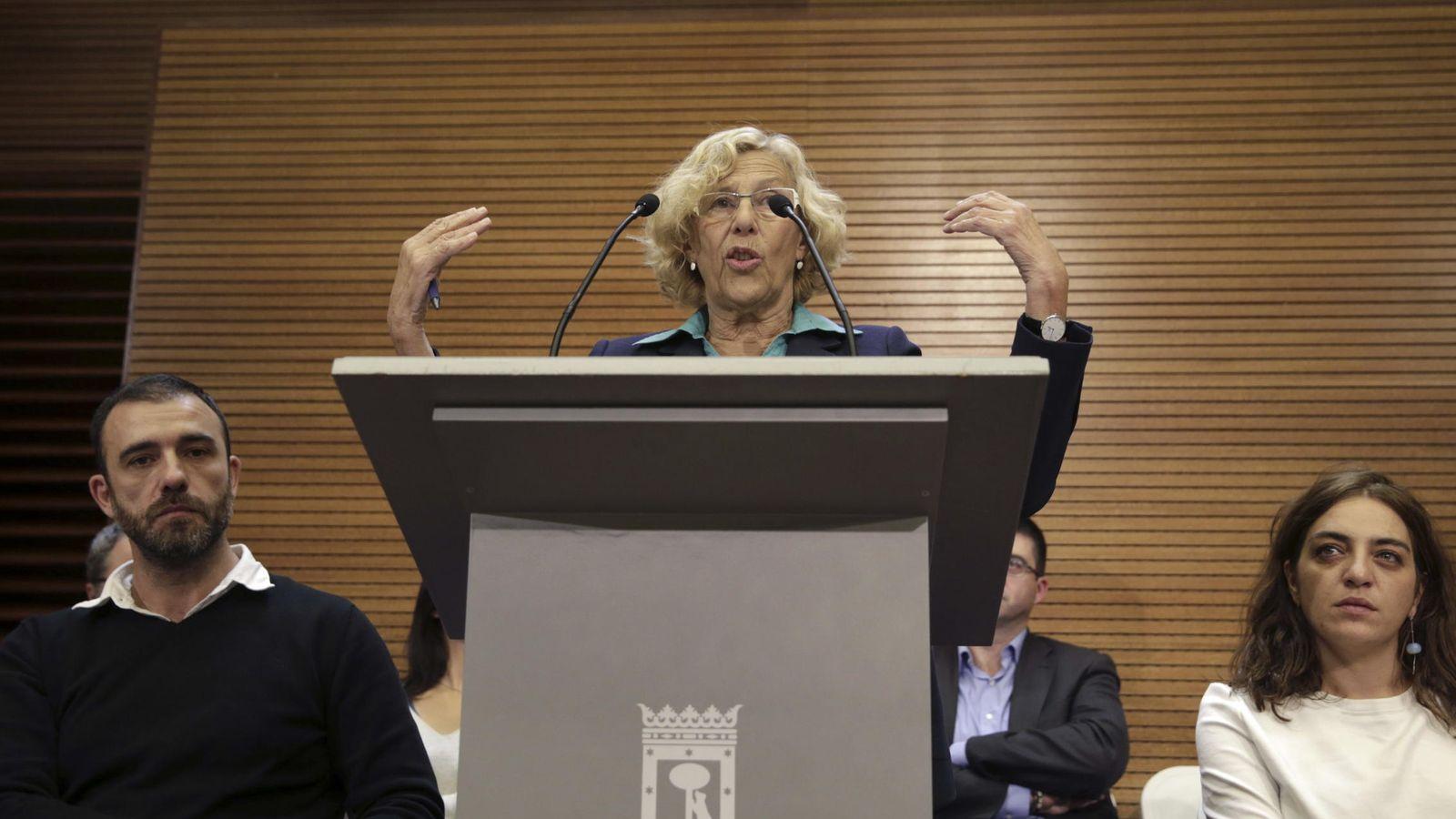 Foto: La alcaldesa Manuela Carmena durante la rueda de prensa de balance de los cien días de gobierno. (EFE)
