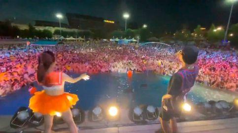 ¿Por qué Wuhan, zona cero del coronavirus, celebra esta masiva fiesta en una piscina?