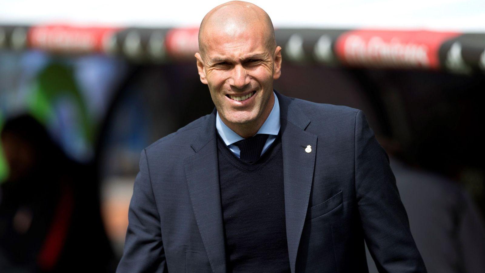 Foto: Zidane durante el choque entre Real Madrid y Atlético de Madrid. (EFE)