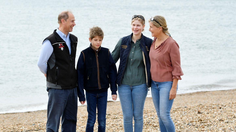Eduardo y Sophie, con sus hijos. (Reuters)
