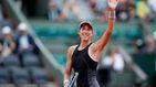 Garbiñe Muguruza pisa fuerte en Roland Garros y pasa por encima de Stosur