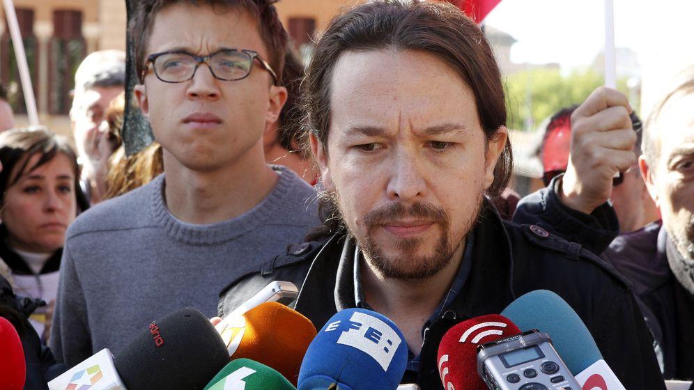 Foto: Pablo Iglesias flanqueado por Iñigo Errejón en la concentración del 1 de Mayo. (EFE)