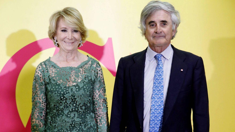 Esperanza Aguirre y su marido. (EFE)