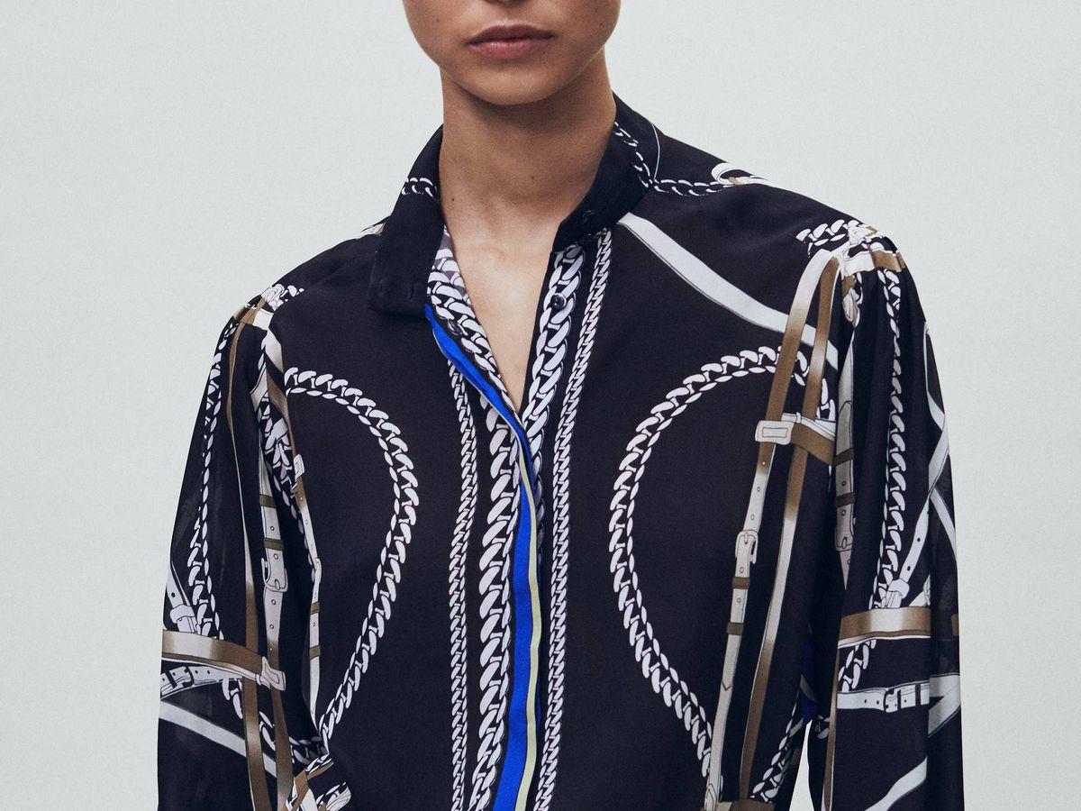 Foto: Victoria Beckham ficharía esta camisa y falda de Massimo Dutti. (Cortesía)