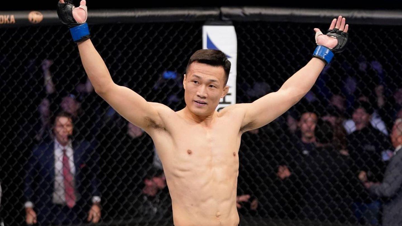 El coreano, tras tumbar a Frenkie ante el jolgorio de su público. (@ufc)