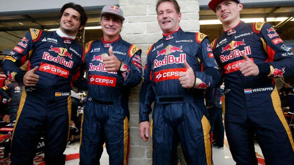 Foto: Padre e hijo de la familia Sainz y Verstappen, posan en el GP de Estados Unidos (@max33verstappen)