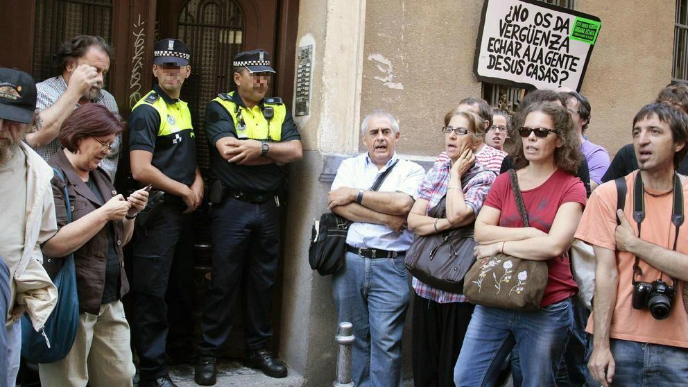 Carmena y los antidisturbios: ya no van a desahucios ni a manifestaciones