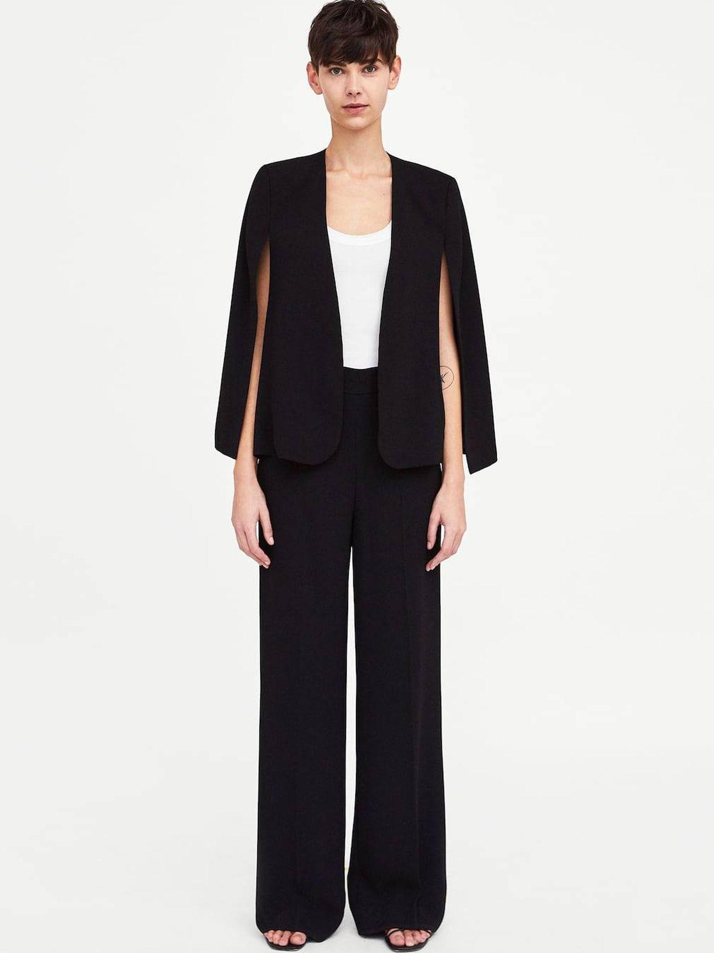 Blazer (49,95 €) y pantalón (39,95 €), todo de Zara.