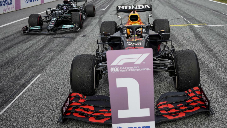 Max Verstappen vive un momento dulce en su lucha frente a Lewis Hamilton