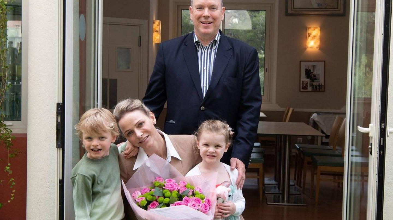 Charlène celebra el Día de la Madre con sus hijos, Jacques y Gabriella. (Palacio del Príncipe)