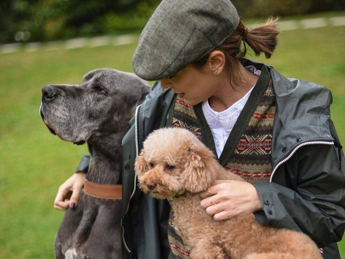Foto: Tamara posa con dos de sus perros en Instagram.