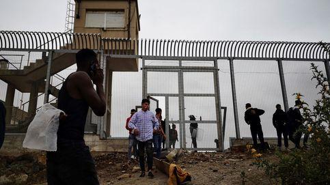 La valla de Ceuta es un coladero: detectan cruzando otra vez a inmigrantes devueltos