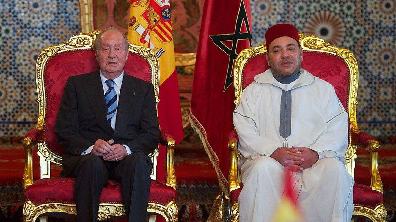 El rey Juan Carlos I, junto a Mohamed VI, rey de Marruecos. (Getty)