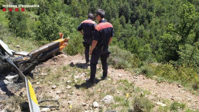 Se estrella un helicóptero en llamas en Fórnols (Lleida) y mueren los dos pasajeros