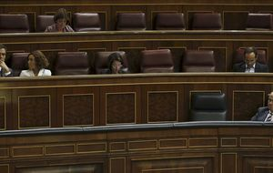 Sánchez pide dedicación exclusiva y ya acumula 7 jornadas sin ir a votar