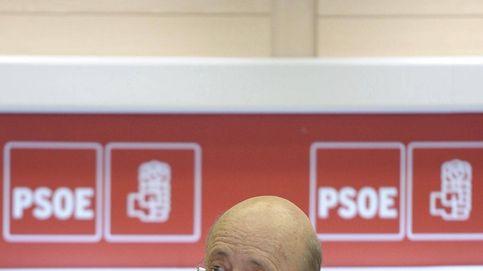 El estirón de ocho puntos del PSOE en el CIS genera dudas y abona el 'efecto Tezanos'