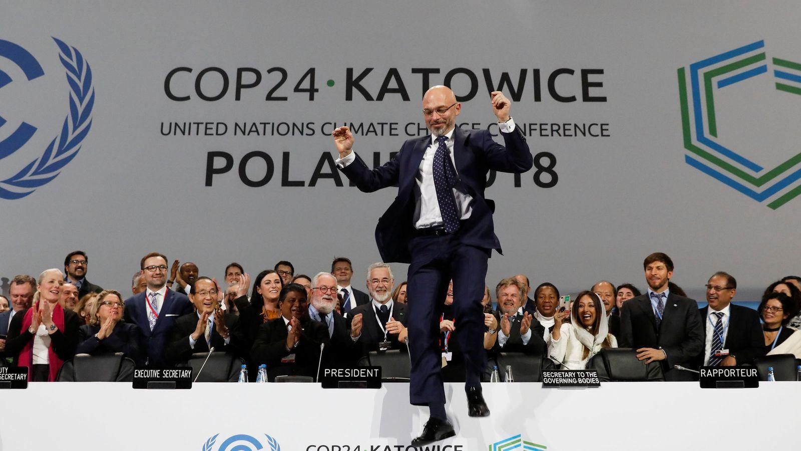 Foto: Reacción del presidente polaco Michal Kurtyka al término de la Cumbre del Clima. (Reuters)