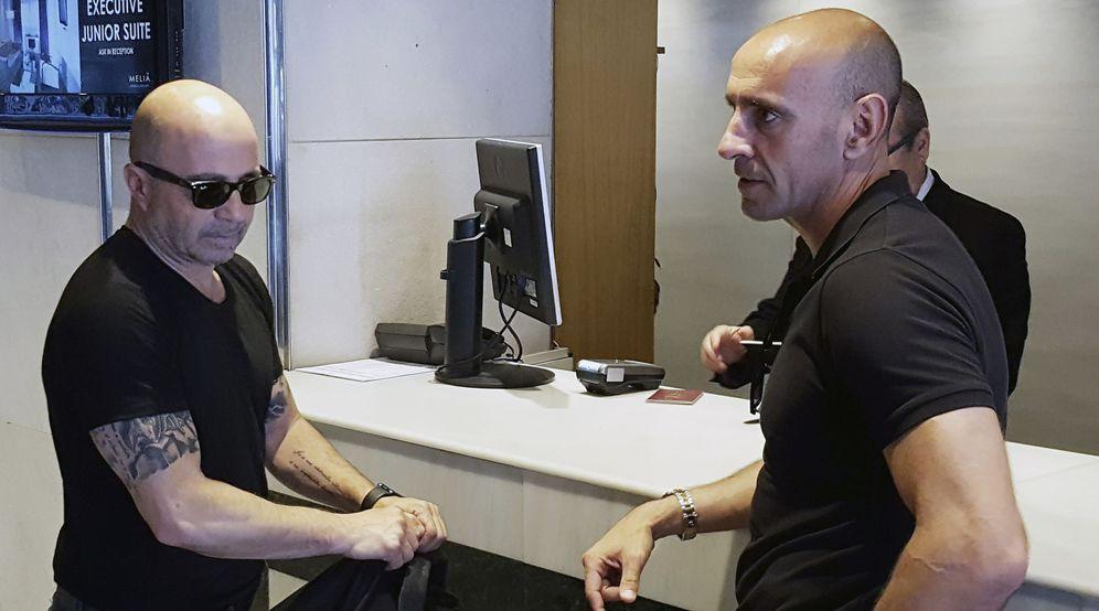 Foto: Jorge Sampaoli ha negociado con Monchi las condiciones de su contrato (EFE)