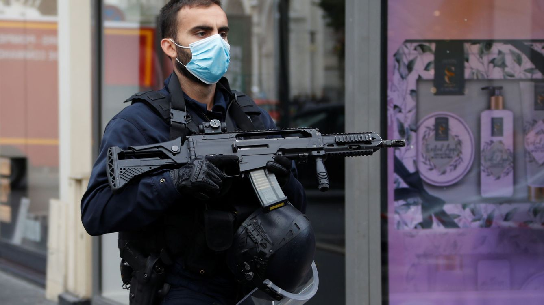 Francia, sacudida por tres ataques paralelos: Niza, Aviñón y el consulado en Arabia Saudí