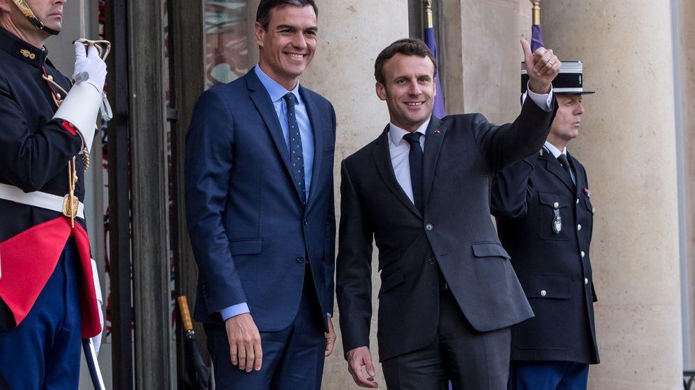 Foto: Emmanuel Macron, junto a Pedro Sánchez. (EFE)