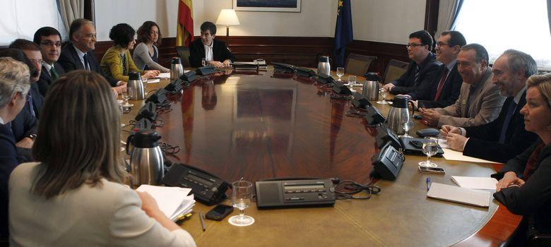 Foto: Recepción de ponencias sobre la Ley de Transparencia en el Senado. (EFE)