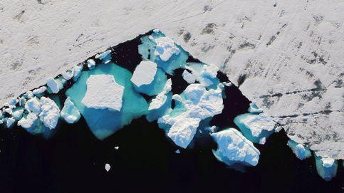 Así se ve desde el cielo un enorme un iceberg desprendido en Groenlandia