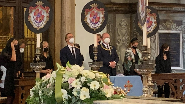 Don Carlos Javier de Borbón Parma presidió la solemne y emotiva despedida. (Foto Cortesia)