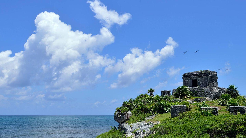 El Castillo, un punto de vigilancia en un acantilado que fue construido por los mayas (Unsplash)