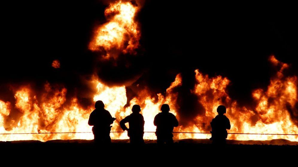 Foto: Al menos 89 muertos al explotar una toma clandestina de gasolina en México. (EFE)
