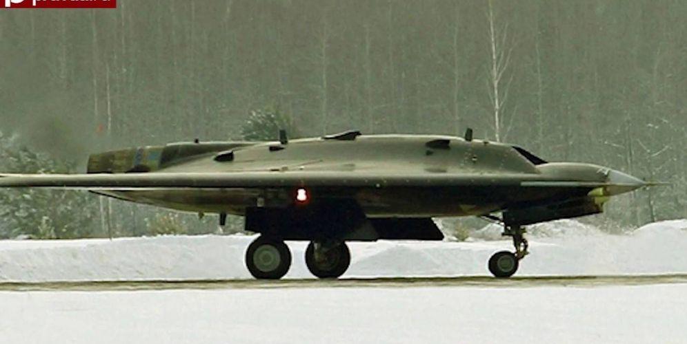 Foto: El dron ruso S-70 Okhotnik. (Imagen: Pravda/Ministerio Defensa de Rusia)