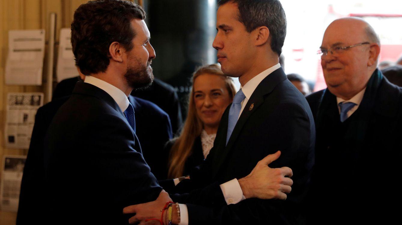 Casado se entrevista con Guaidó y pide la dimisión de Ábalos por mentir