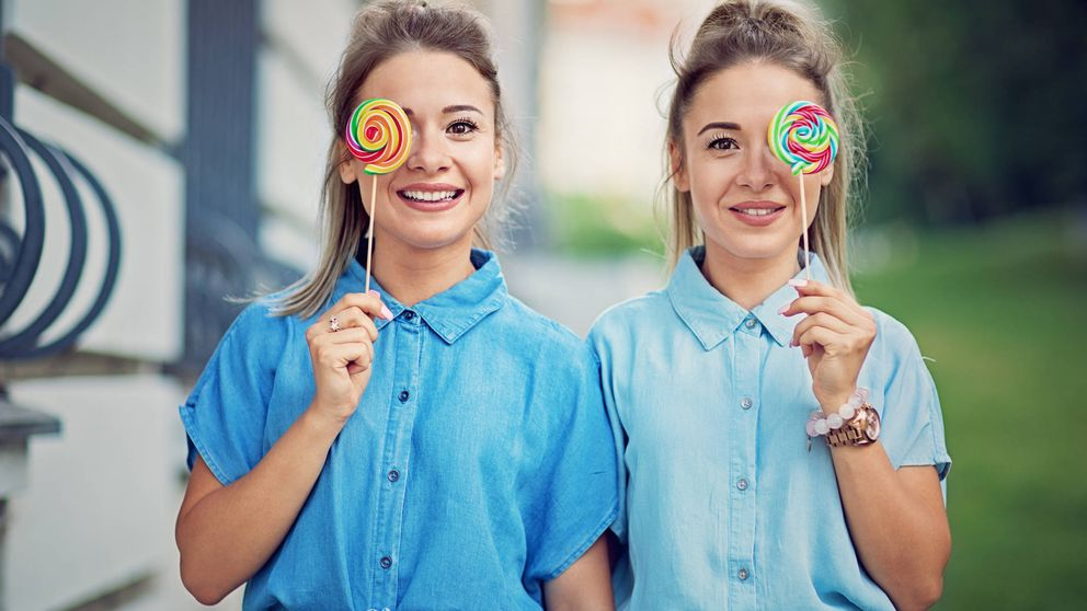Un estudio revela que la comida no nutre igual ni a los gemelos