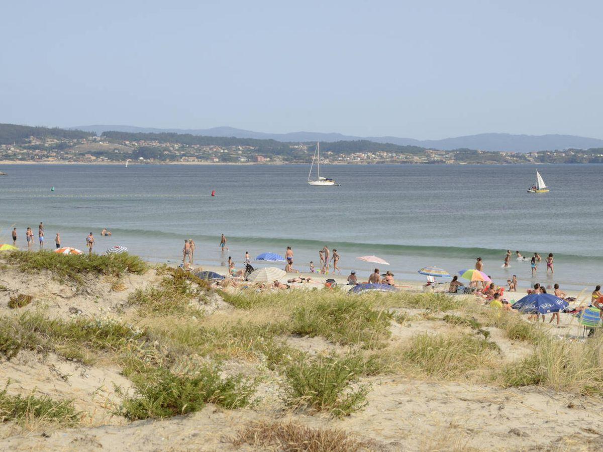Foto: Playa en Isla de la Toja.